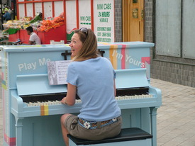 London, UK 2009 - (Harrow Rd piano)